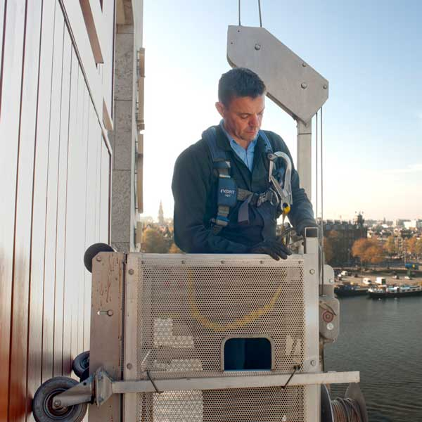 Gevelonderhoud - Installaties